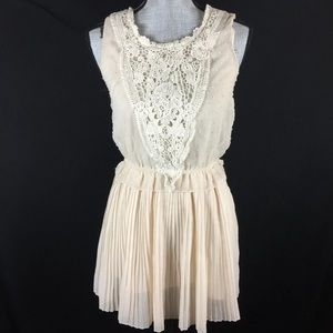 Farinelli Lace Dress Stretch Waist Short Pleated
